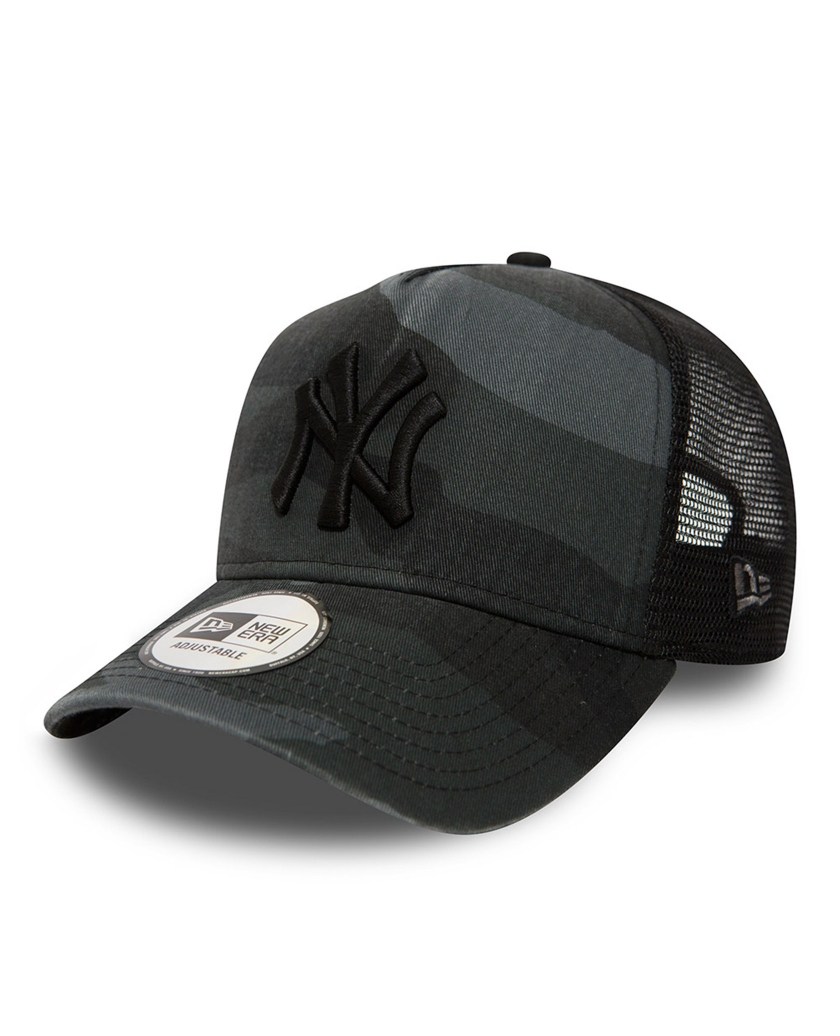 NEW YORK YANKEES WASHED CAMO A FRAME TRUCKER